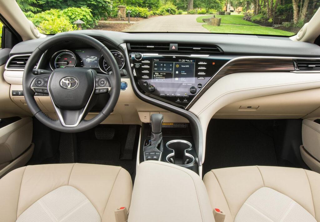 2018 Toyota Camry-Interior01