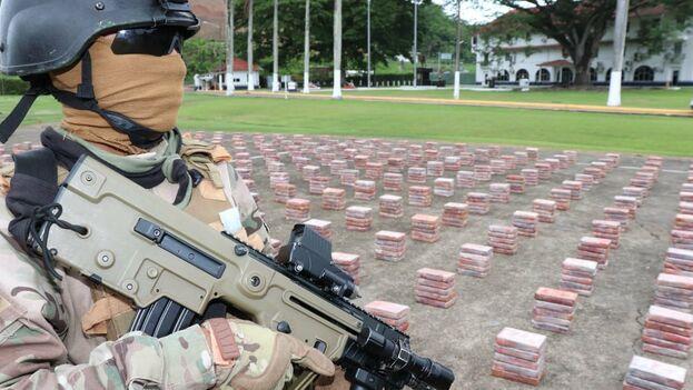 Decomisados miles de paquetes de cocaína en contenedor procedente de Cuba