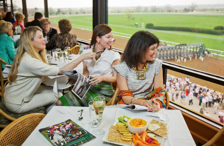 Keeneland celebra el verano con Breakfast at the Track.
