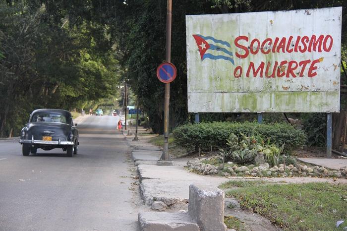 Bloqueo comercial a Cuba, la mentira difundida por el castrismo