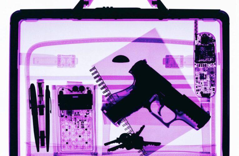 'Gran problema': los pasajeros traen un número récord de armas al aeropuerto, dice la TSA